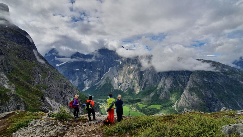 Yoga Hikig Retreat in Norway, Litlefjellet