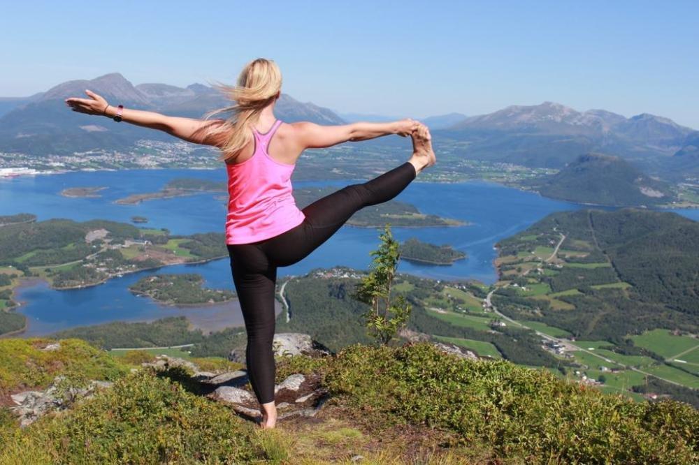 yoga and trekking in Norway